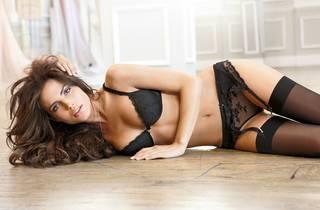 Schöne Mädchen in sexy Dessous.